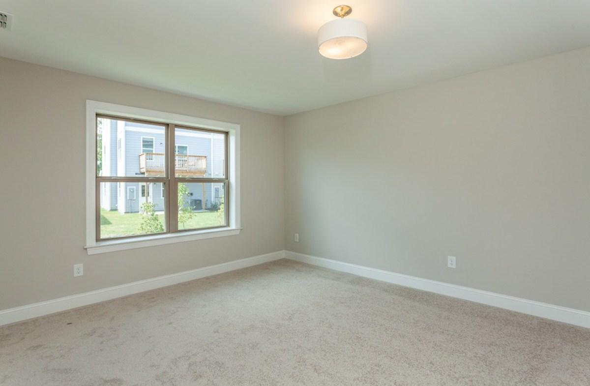 Maddan quick move-in Maddan master bedroom