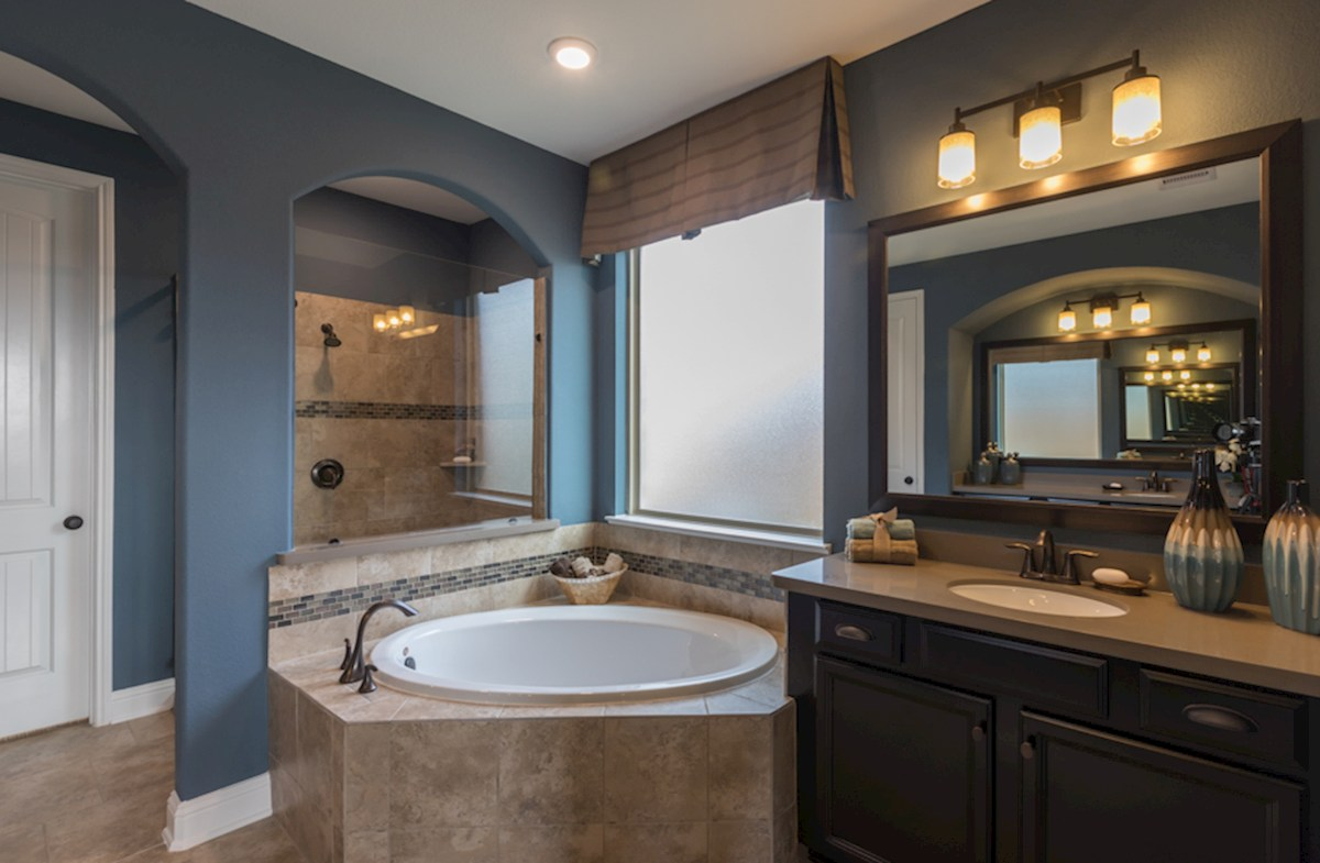 Young Ranch Gruene large Choice Master Bathroom
