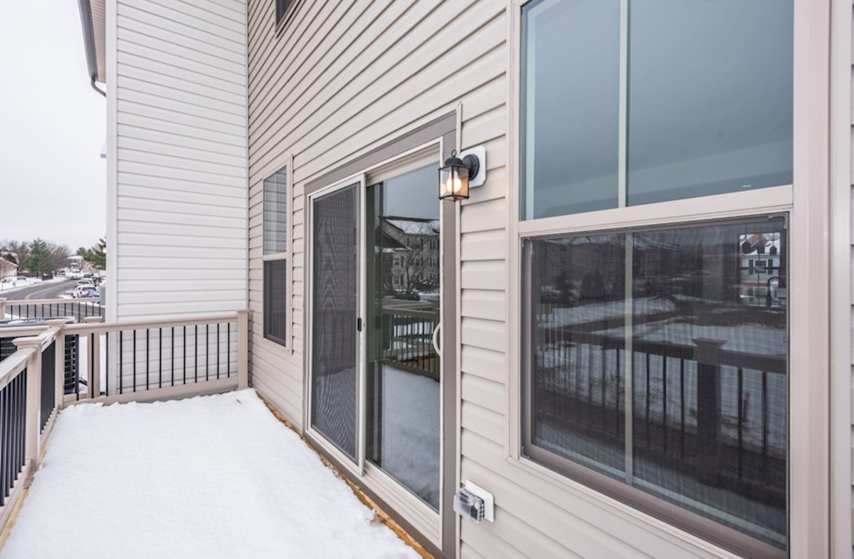 Kennedy quick move-in rear deck