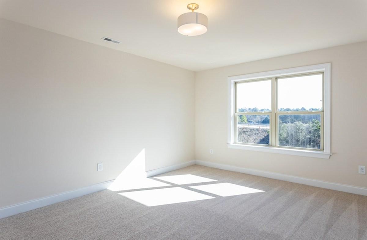 Hamilton quick move-in Hamilton master bedroom