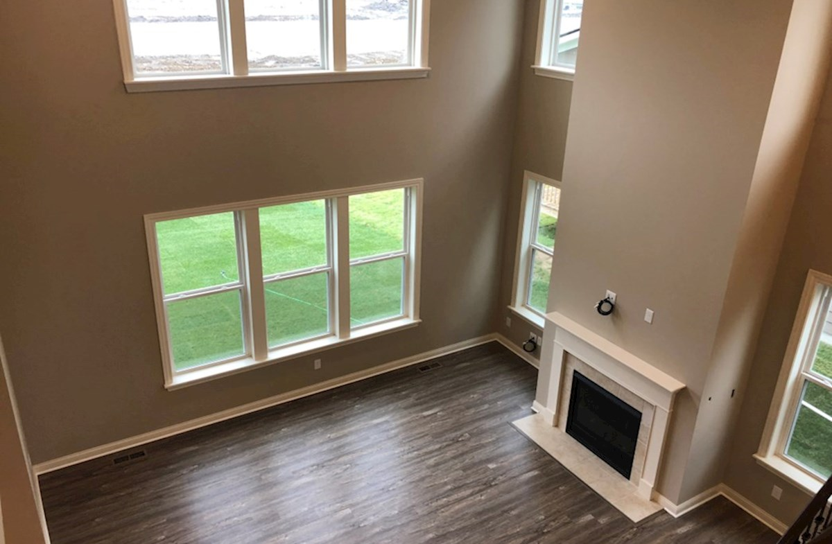 Oakhill quick move-in Two-story great room