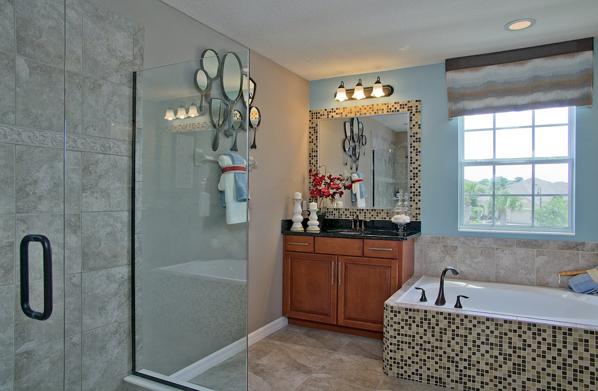 Reserve at Sawgrass Sequoia luxurious master bathroom