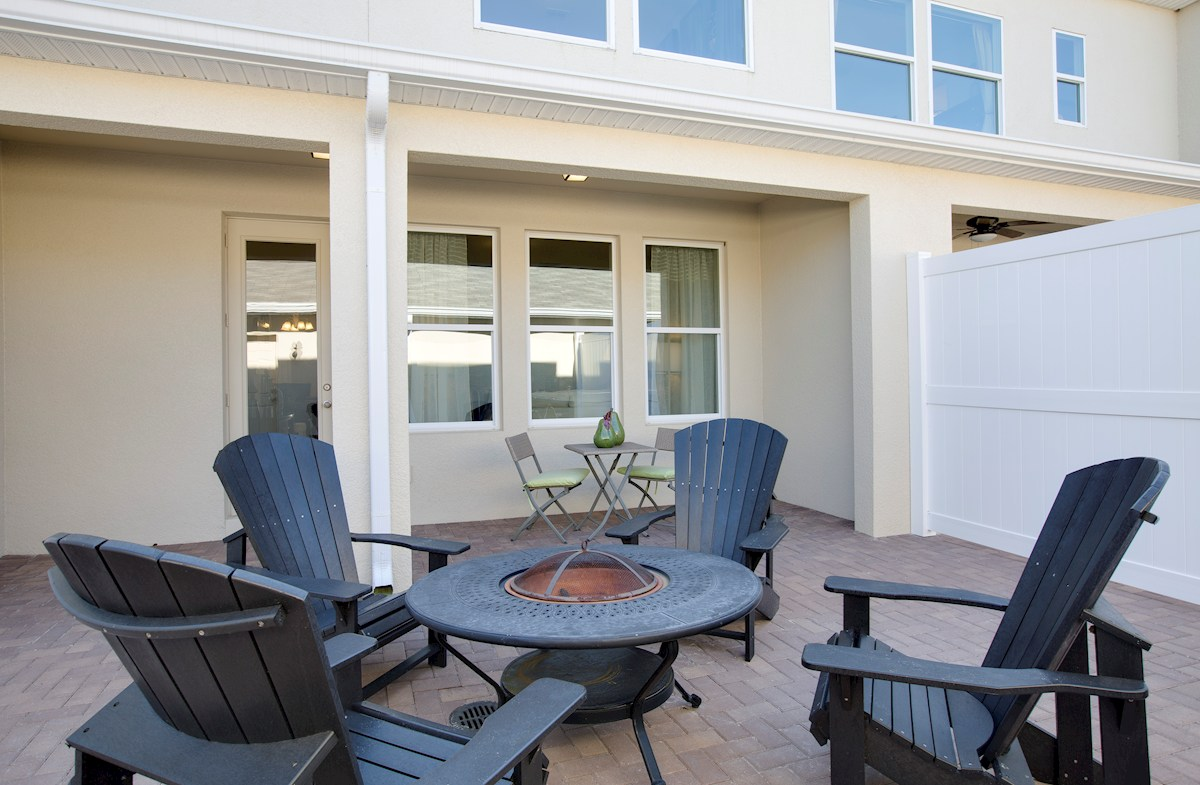 Summerlake Townhomes Richmond open rear courtyard