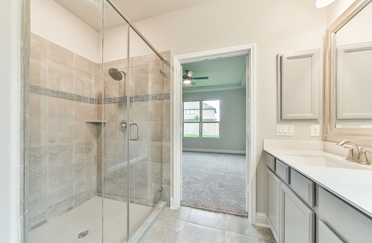 Armstrong quick move-in master bath with oversized shower