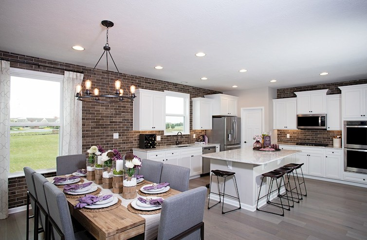 Shelby with an open kitchen and breakfast area