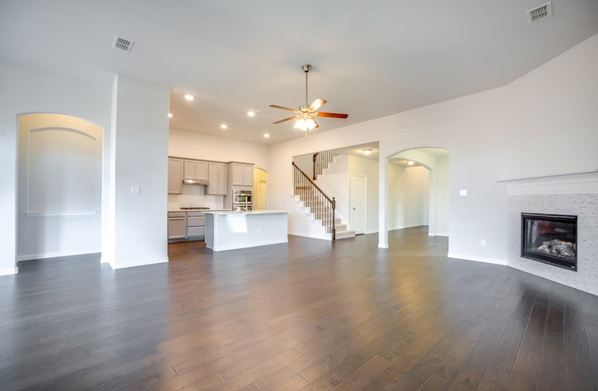 Galveston quick move-in open great room with floors