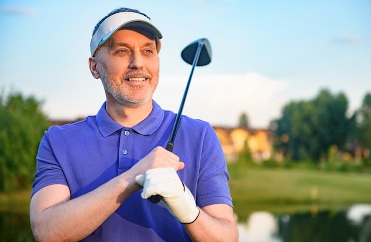 Vaya a golfing en el yate de Bluegrass y el club próximos del condado