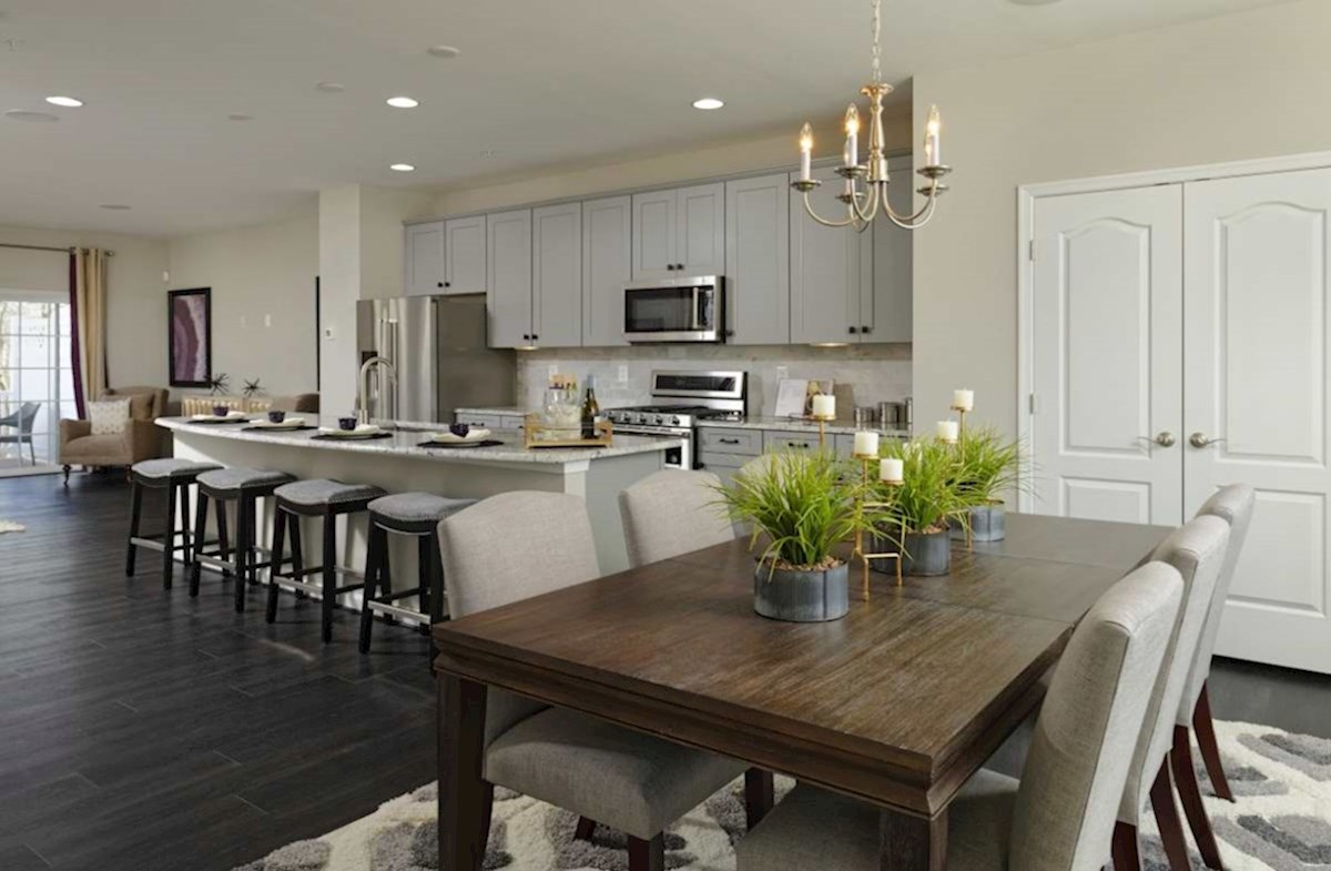 The Preserve at Windlass Run Townhomes  Vienna Vienna Dining Area