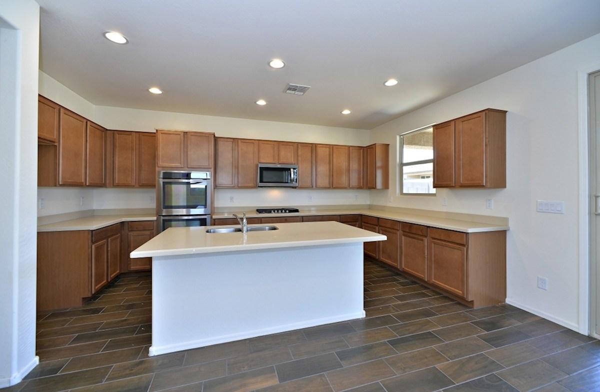 Abilene quick move-in open kitchen