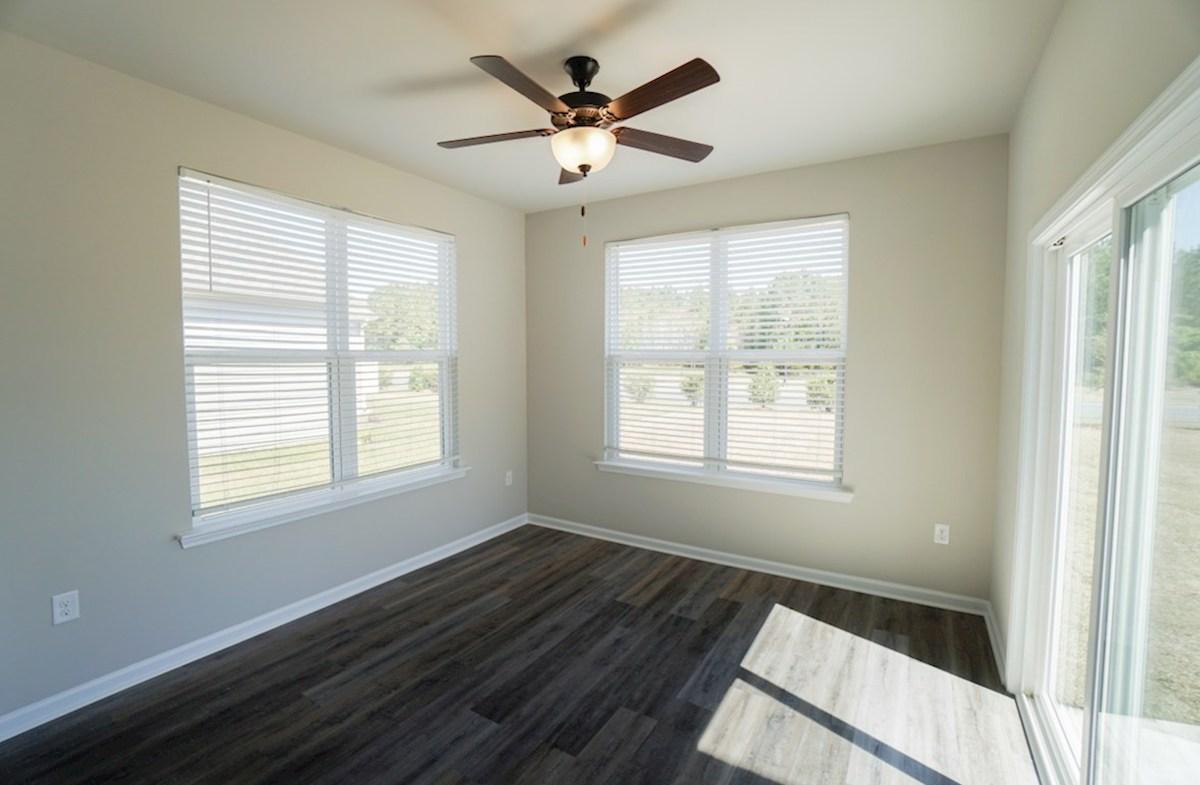 Edisto quick move-in Carolina room allows plenty of natural light