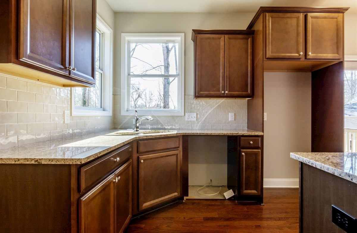 Bradshaw quick move-in Kitchen with granite countertops