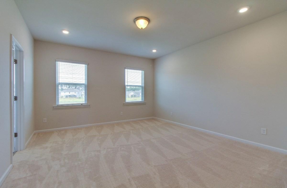 Madison quick move-in cozy master bedroom