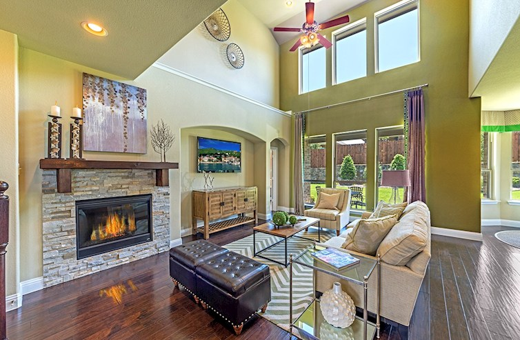 Lakewood Hills Aberdeen Aberdeen great room with soaring ceilings