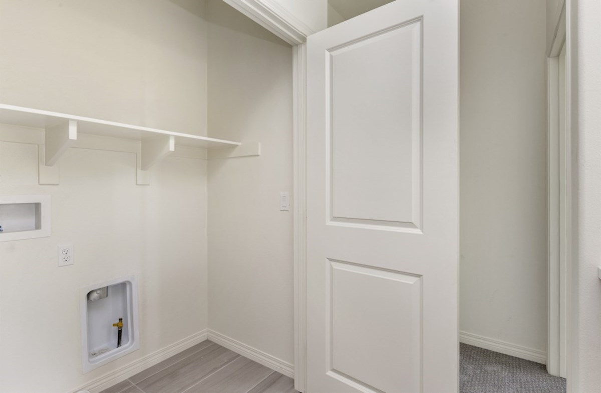 Pipit quick move-in Laundry room located near the master bedroom for your convenience