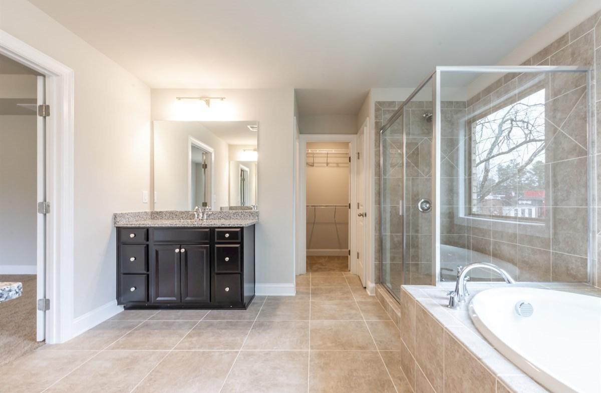 Robinson Park Callaway Master Bathroom with soaker tub