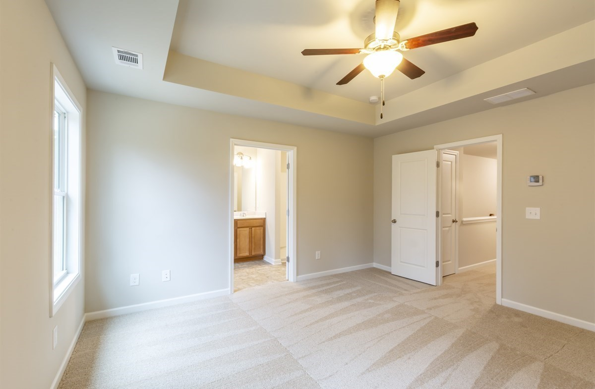 Rabun quick move-in Master Bedroom with tray ceiling