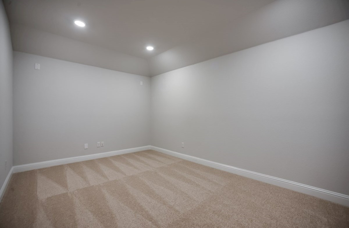 Richland quick move-in large media room with carpet