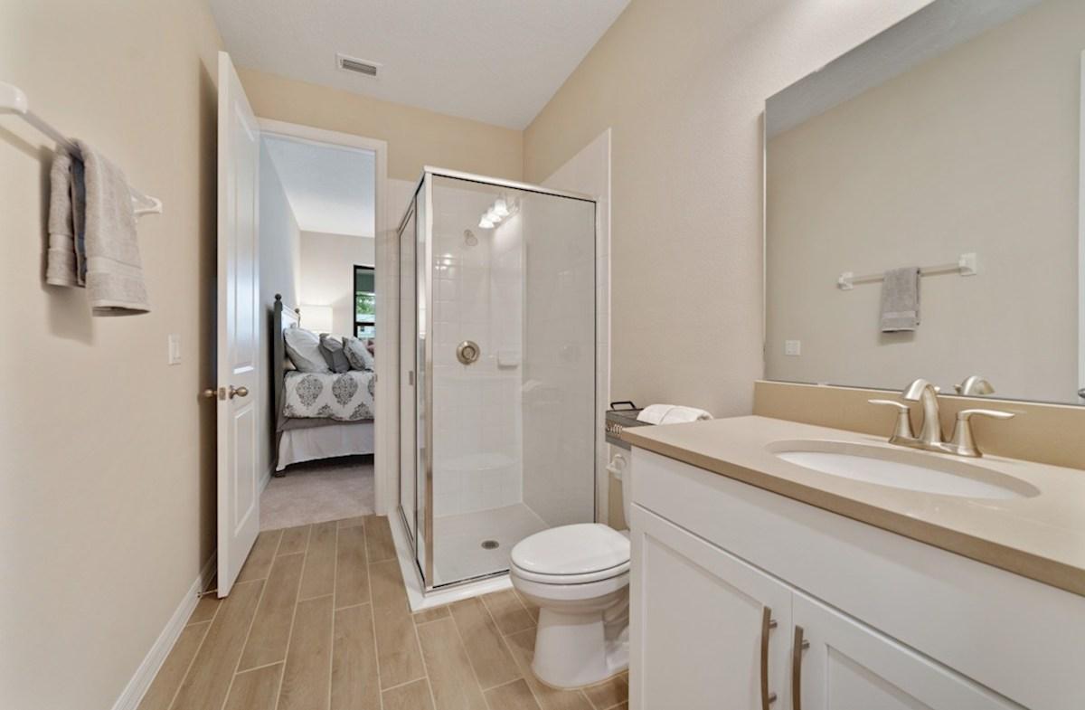 Macarthur II quick move-in en suite bath