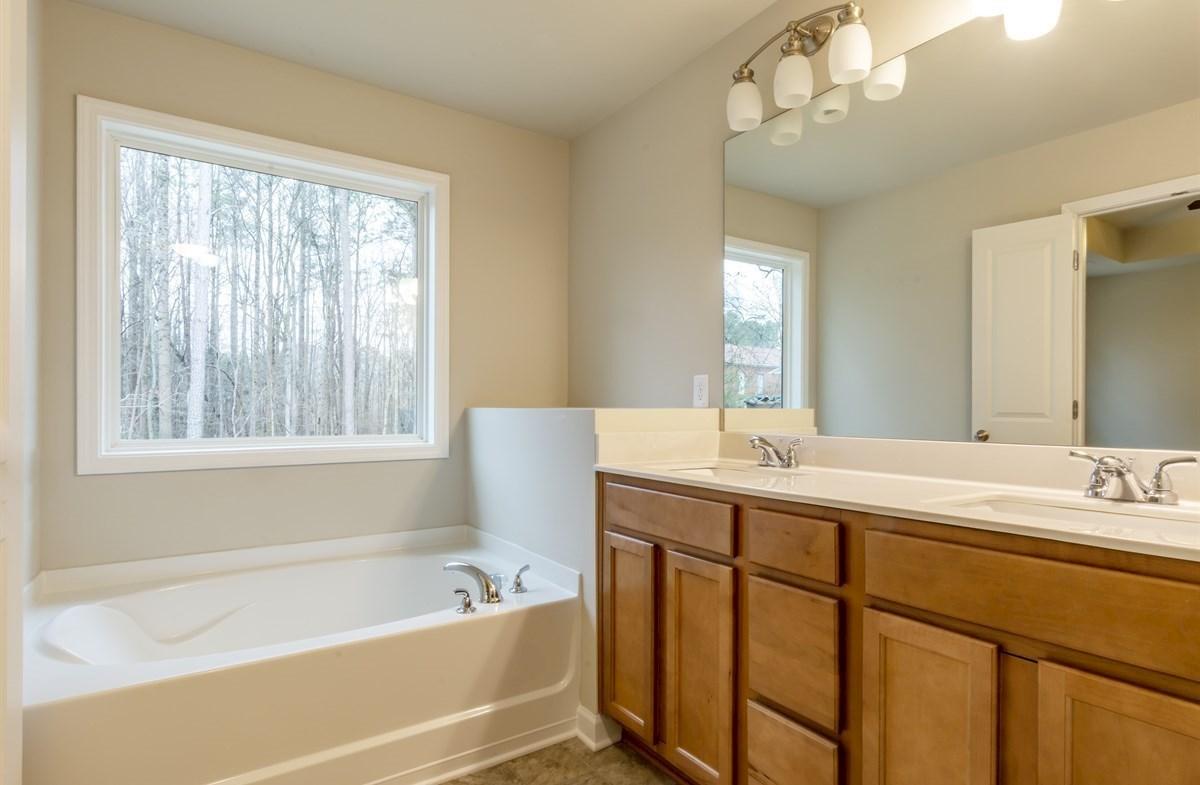 Rabun quick move-in Master Bathroom with dual sinks