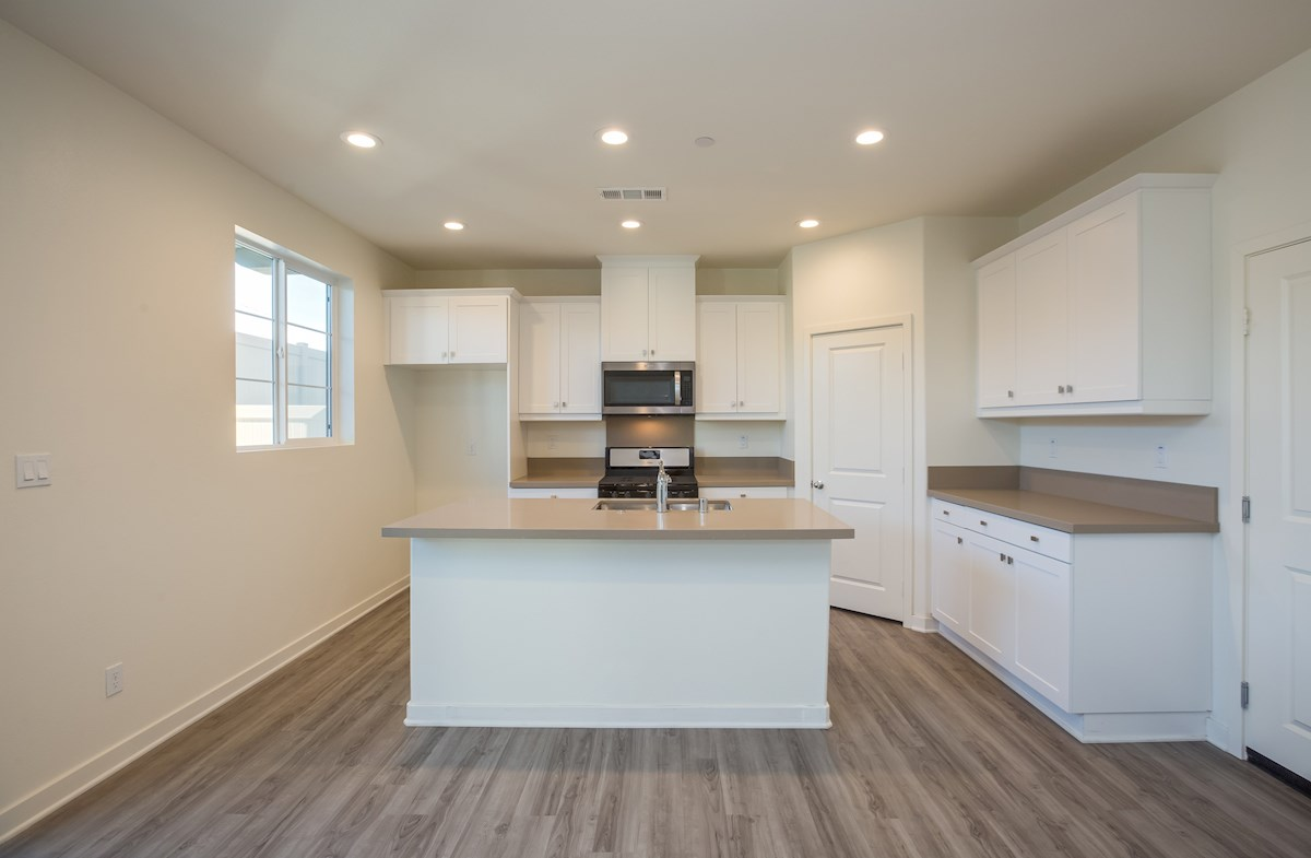 Daisy quick move-in counter space in kitchen