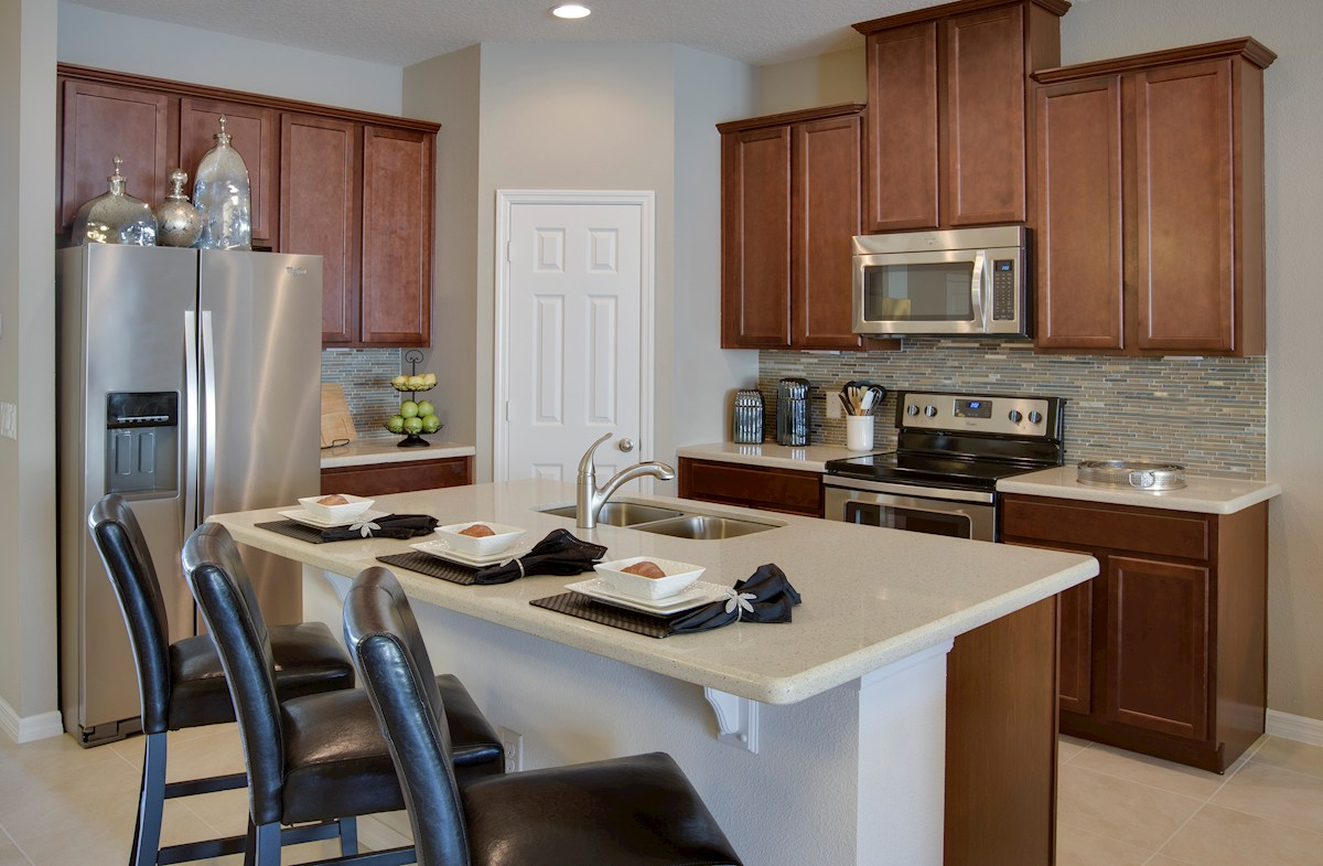 Summerlake Townhomes Richmond kitchen with stainless appliances