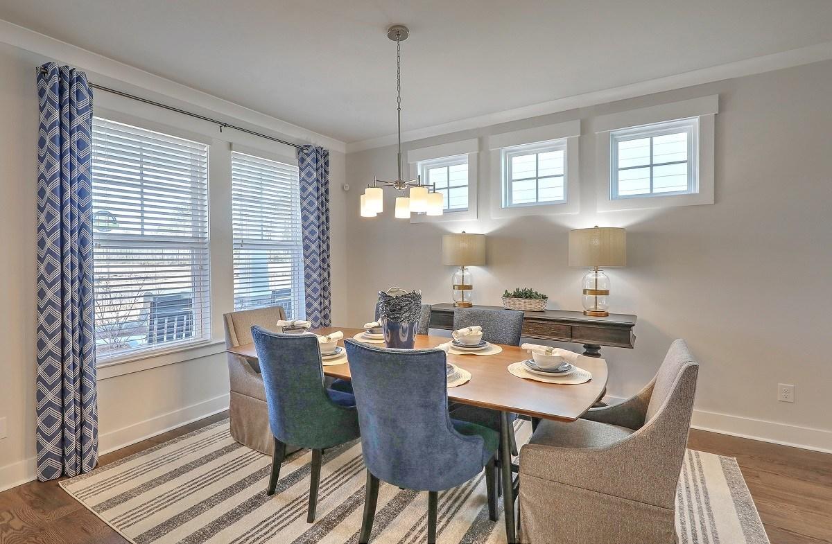 Bentley Park Sweetgum formal dining room