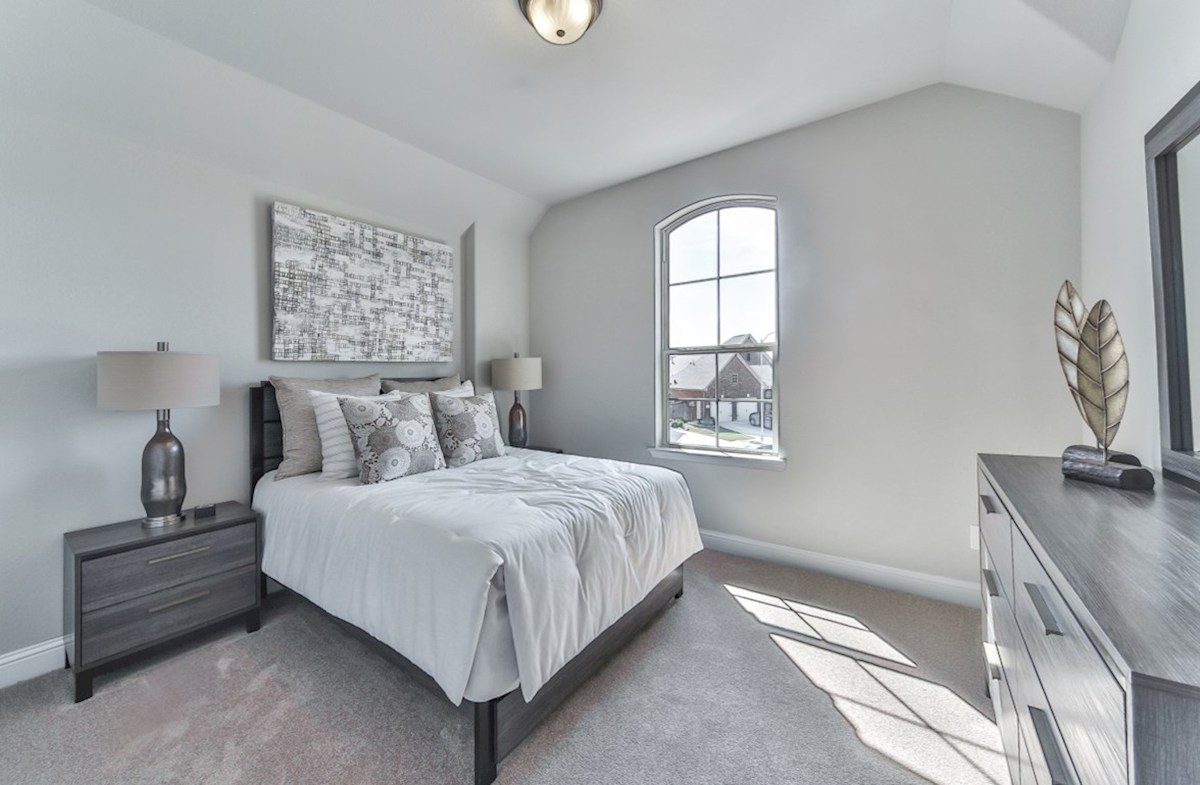 Armstrong quick move-in light-filled secondary bedroom