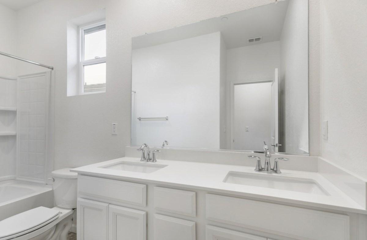 Shasta quick move-in bathroom 2