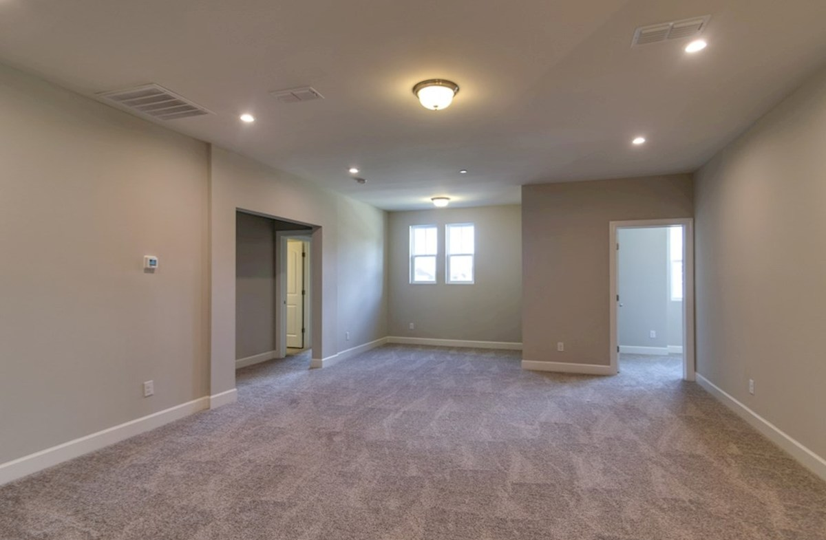 Mckinley quick move-in versatile loft space