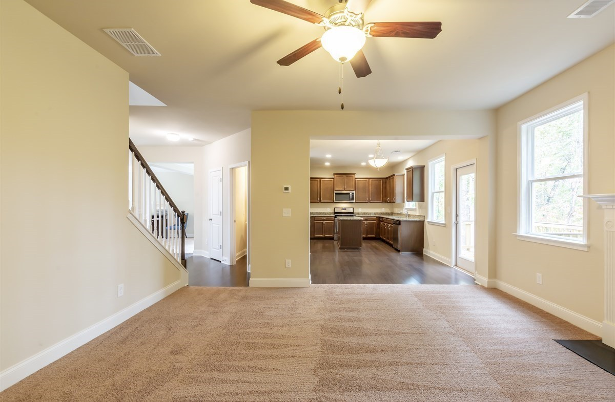 Ridgecrest quick move-in Family room with ceiling fan