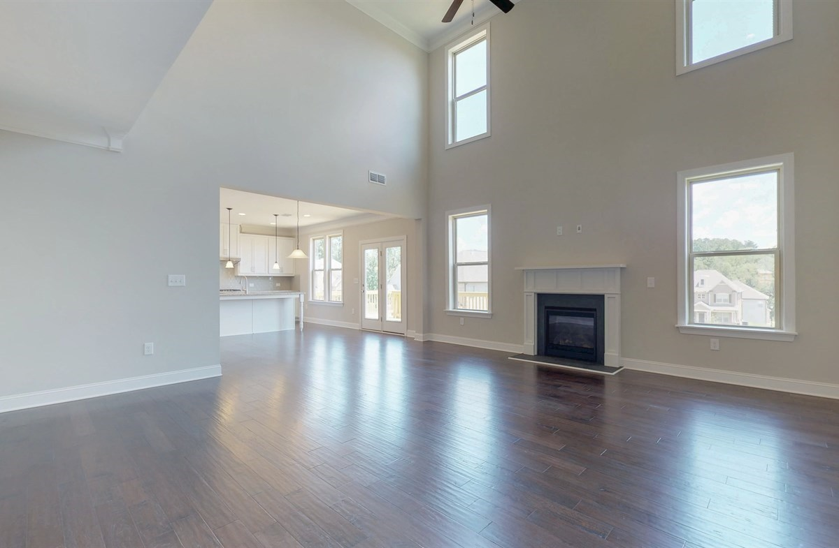 Tara quick move-in Two-story Family Room