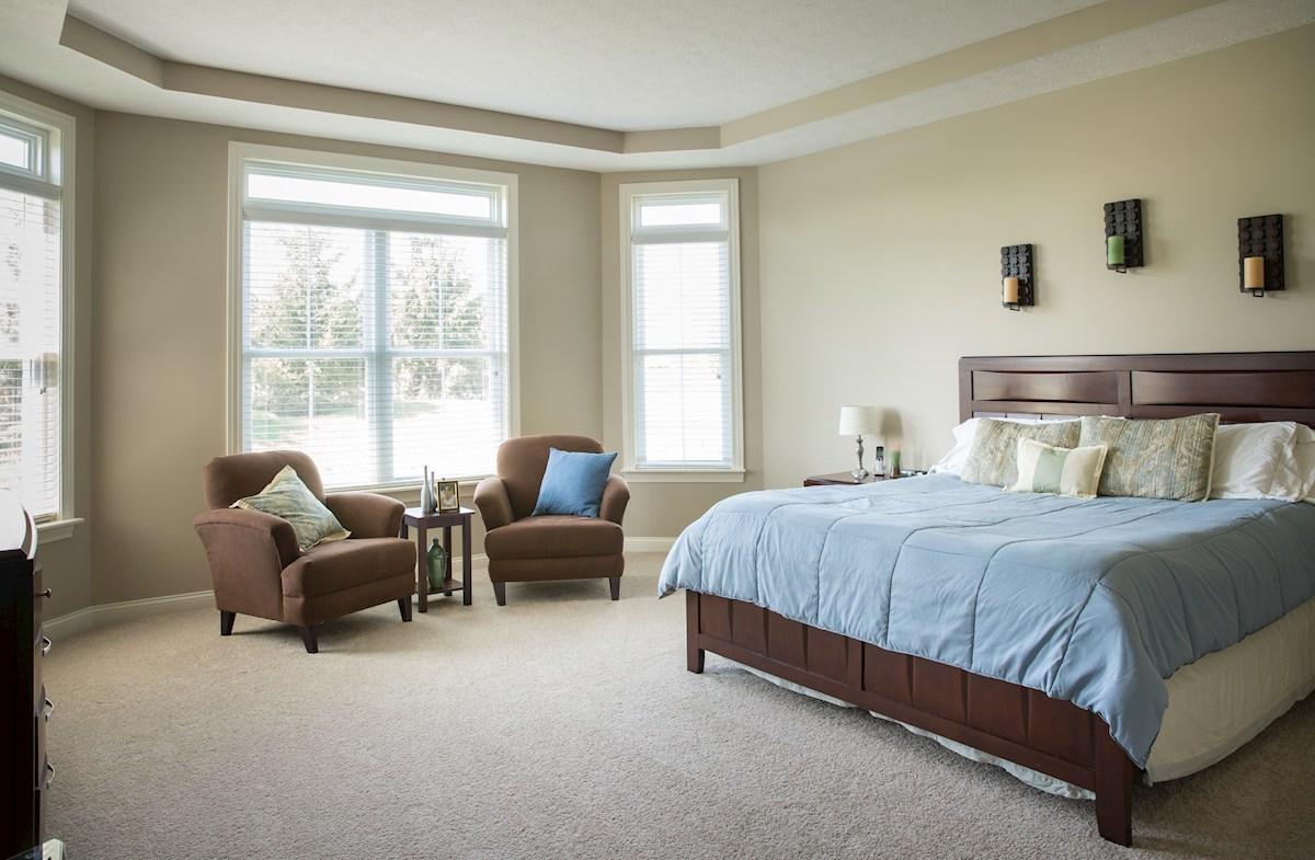 Reserve at Woodside Cambridge spacious master bedroom with trey ceiling