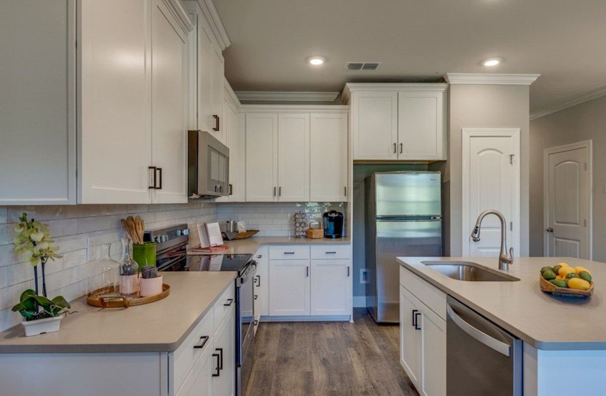 Harpeth Springs Village Jackson kitchen with center island and white cabinets