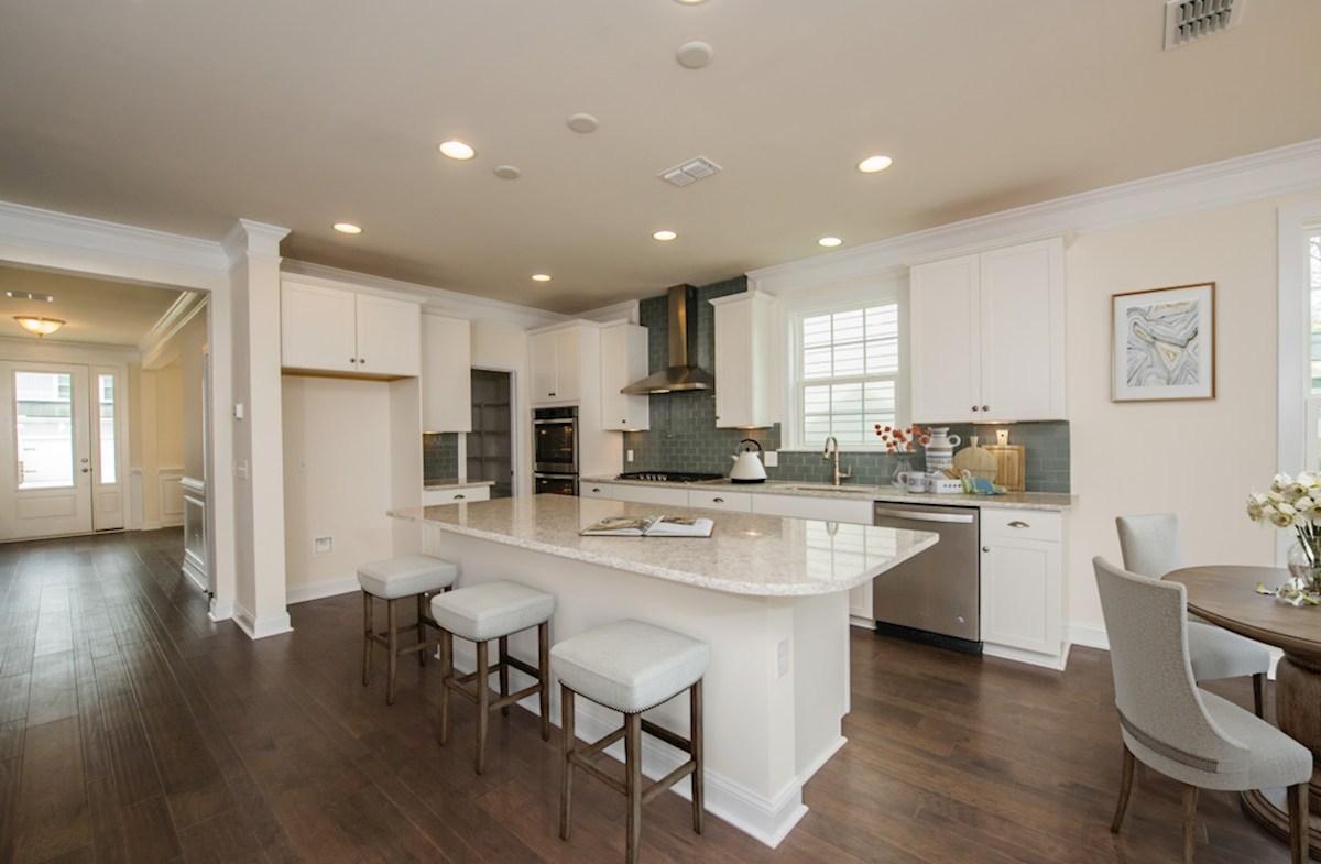 Bentley Park Sweetgum chef-inspired kitchen