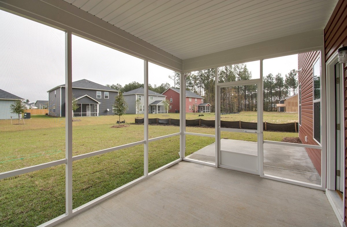 McKinley quick move-in entertainer's screened porch