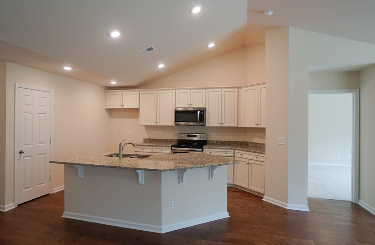 Summerton quick move-in bright and open kitchen
