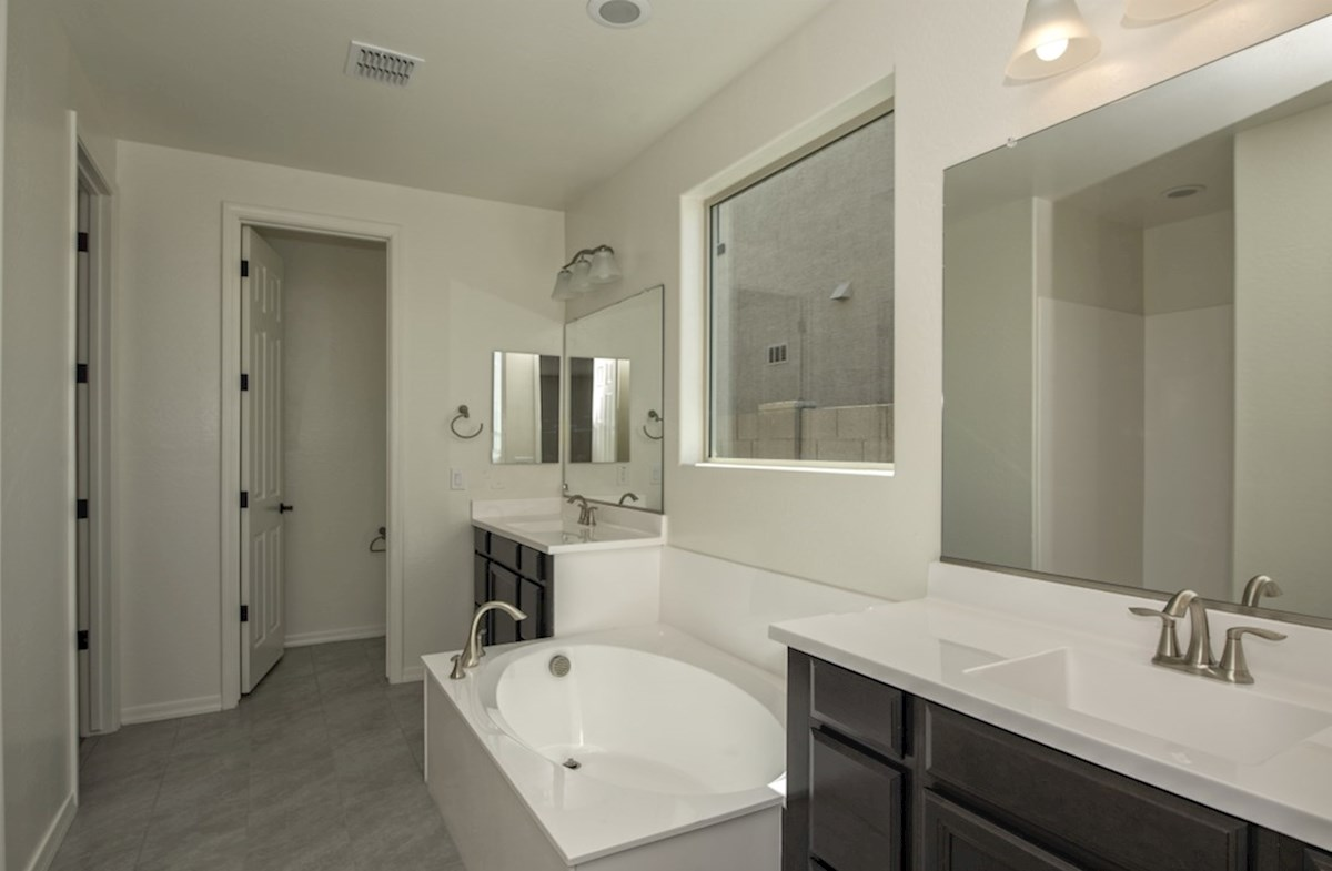 Rockwell quick move-in Rockwell Master Bathroom