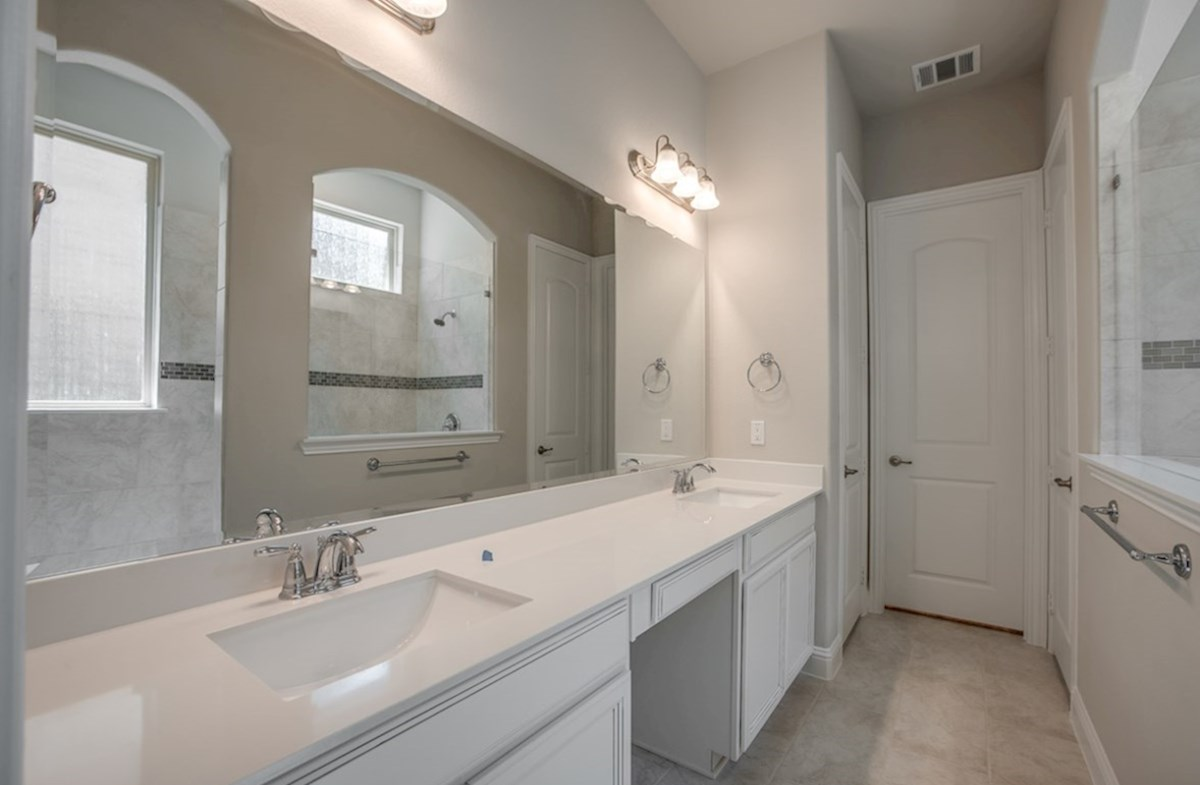 Eastland quick move-in master bathroom with oversized sport shower