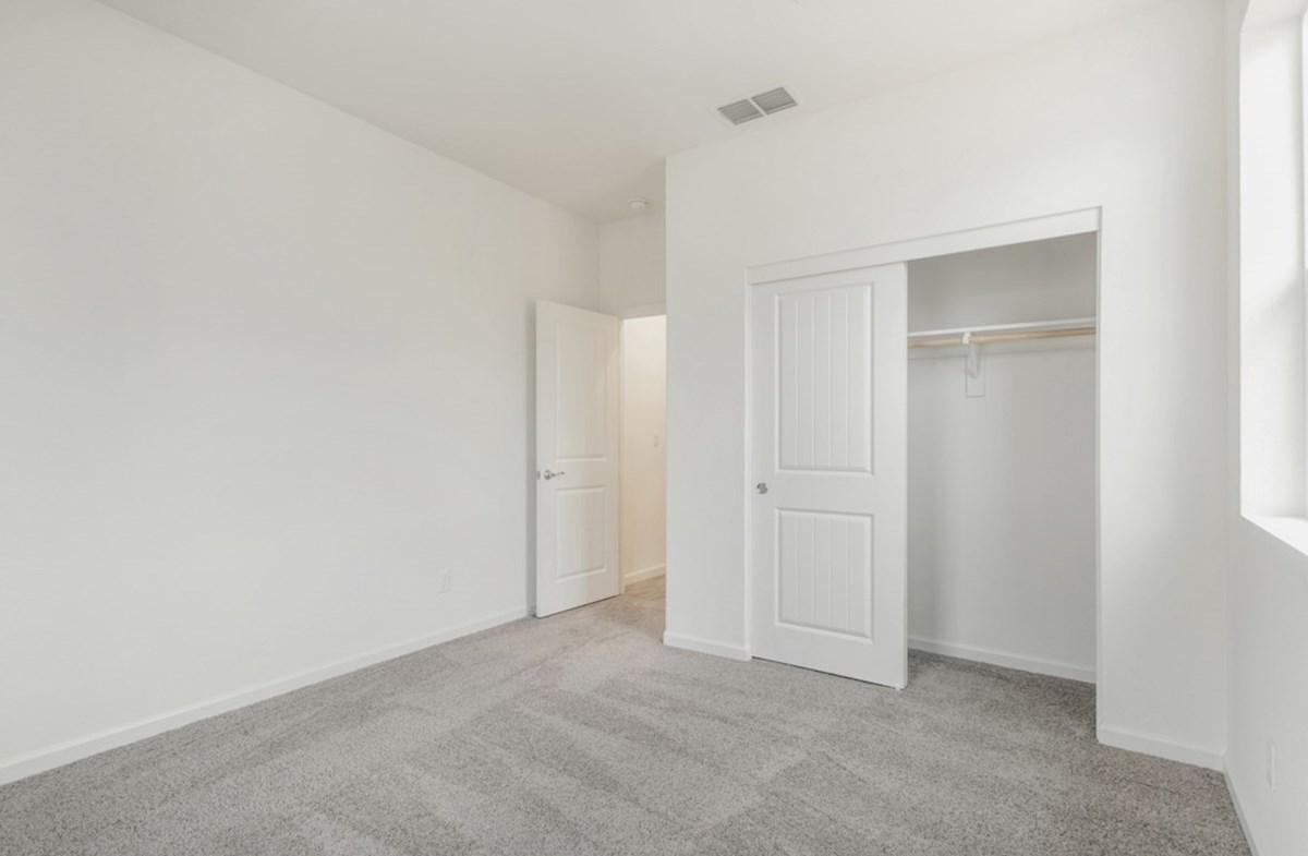Shasta quick move-in bedroom 2