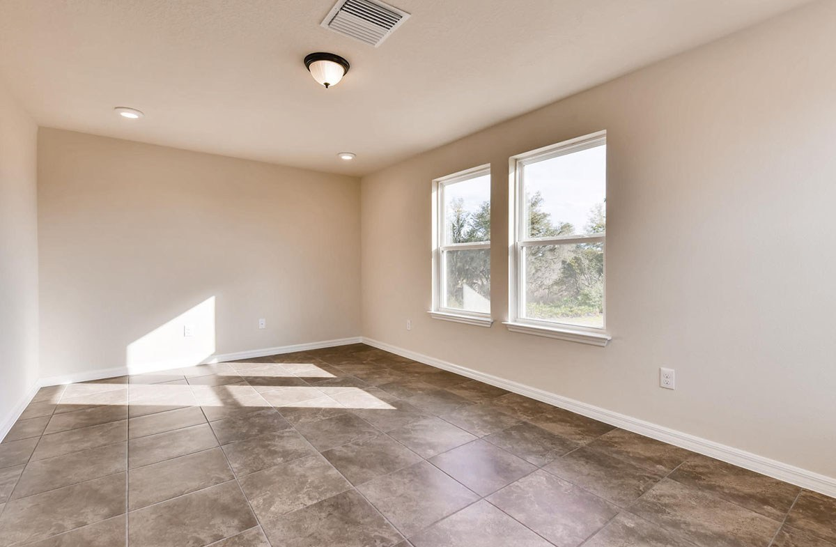 Sea Breeze quick move-in Spacious loft with tile flooring