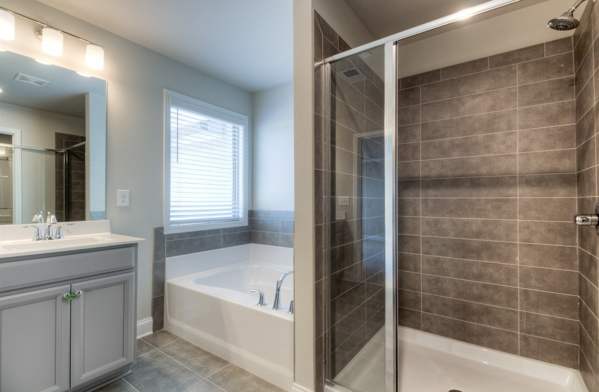Spring Creek Place Georgetown Master Bathroom with soaker tub