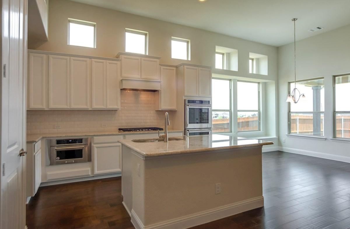 Richland quick move-in kitchen includes breakfast area