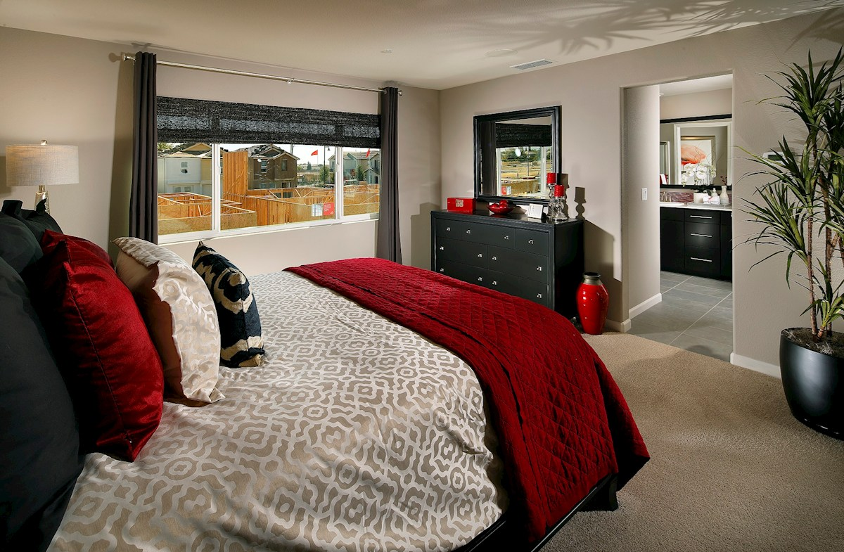 Capital Village Residence 2 Elegant master bedroom
