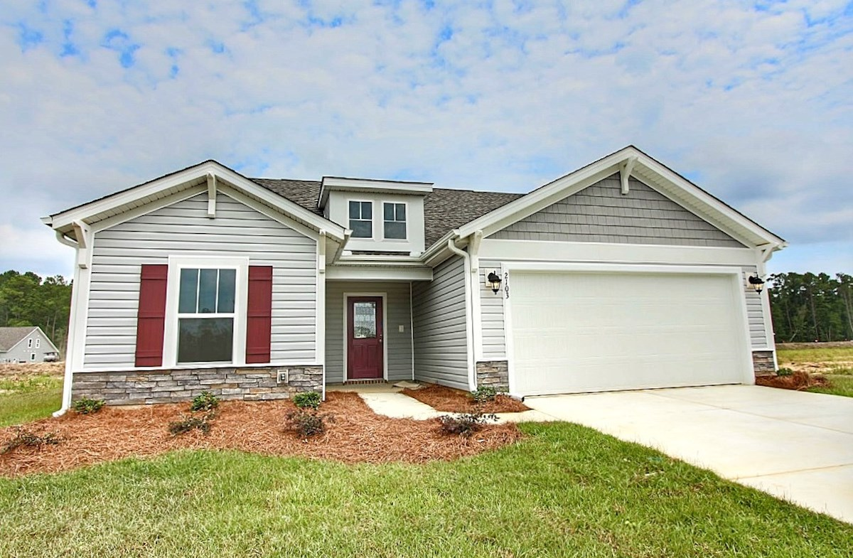 Summerton ACA quick move-in Summerton charming exterior