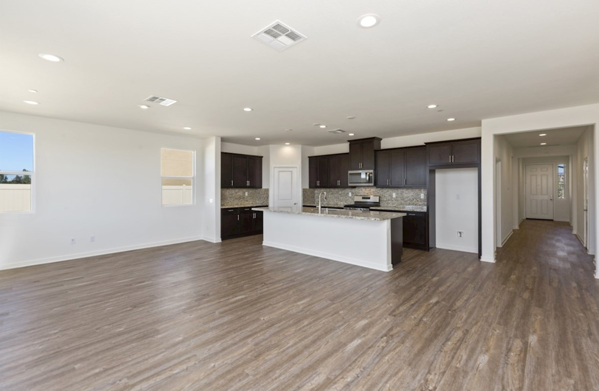Napa quick move-in The dining room provides the perfect space for dinner parties or special family occasions