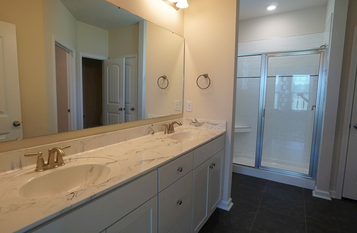 Camden quick move-in spacious master bathroom