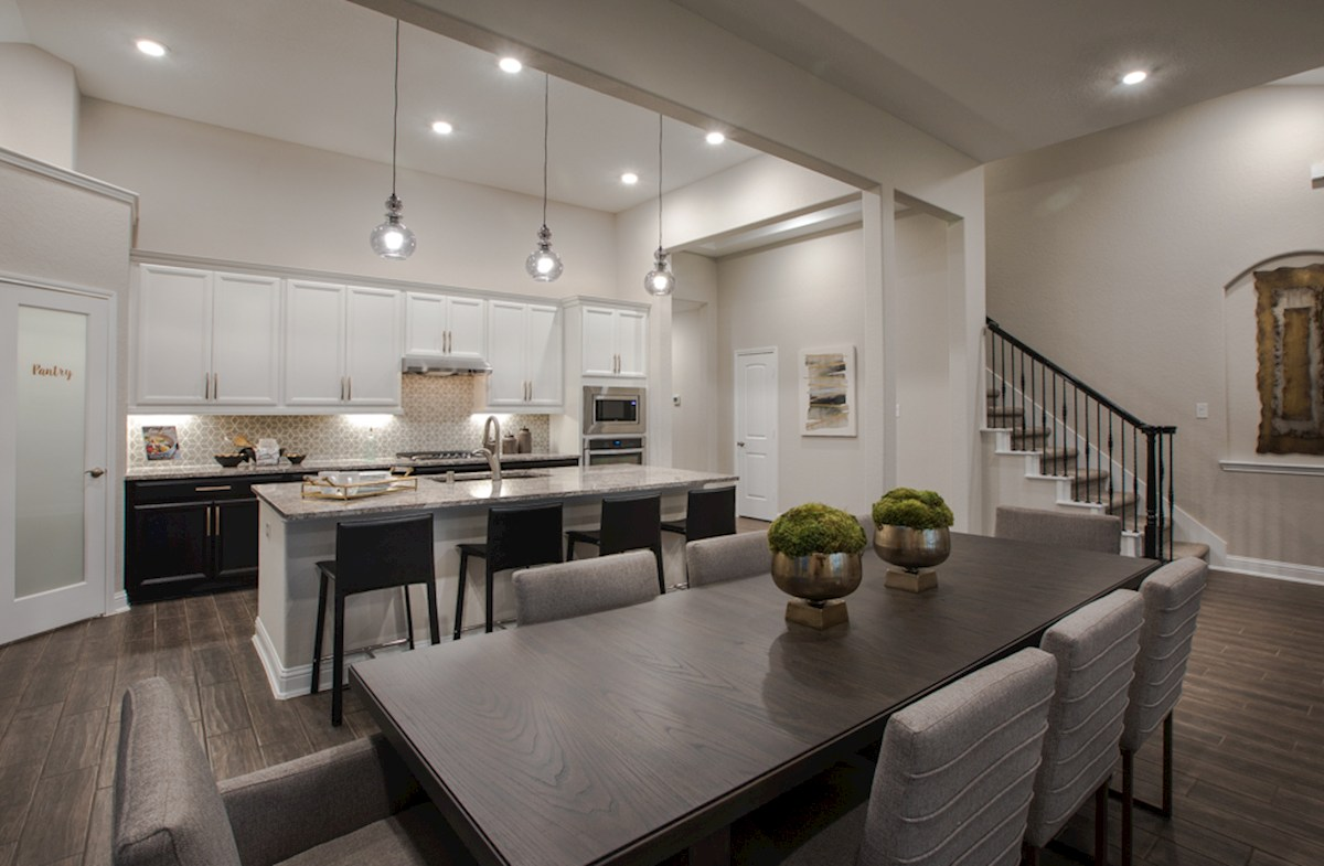 kitchen with island and pendant lighting