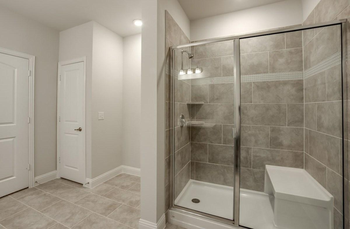 Clifton quick move-in Clifton Master Bathroom
