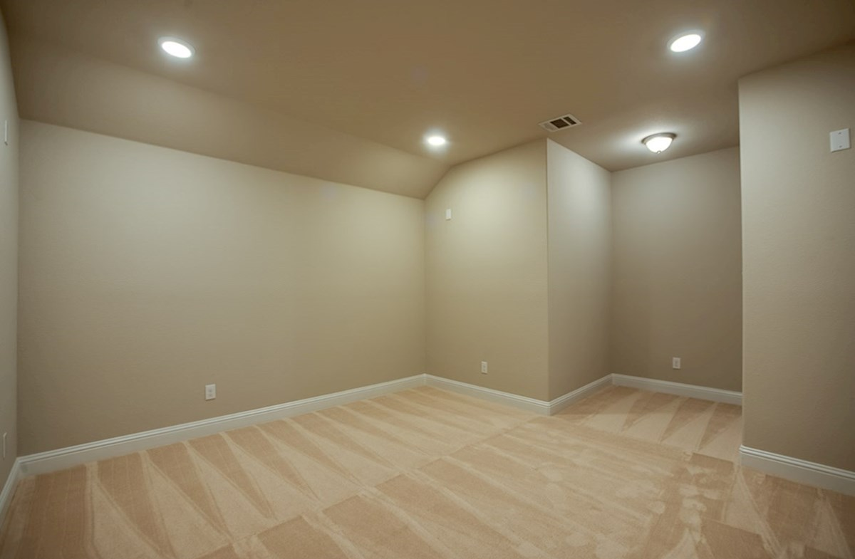 Brazos quick move-in large media room with carpet