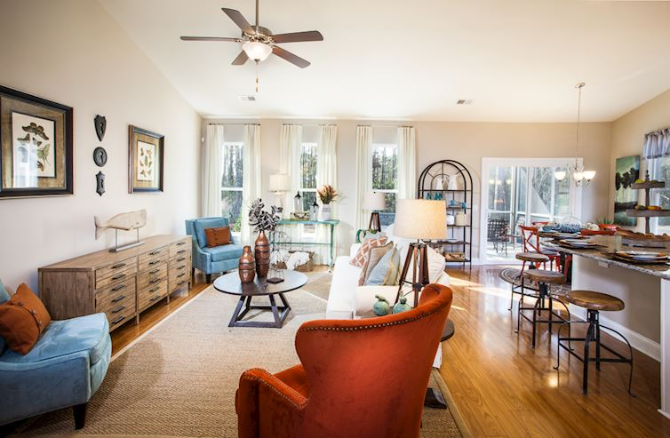 Park Place Savannah Living Room with Vaulted Ceilings